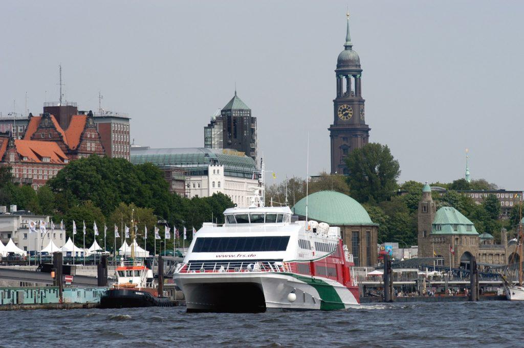 Halunder Jet_Außenaufnahme_Hafen Hamburg_Urs Kluyver_copyright FRS Helgoline (16)
